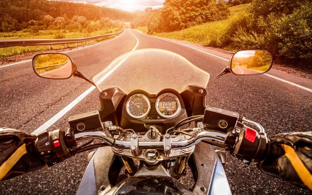 Tipps gegen Rückenschmerzen beim Motorrad fahren